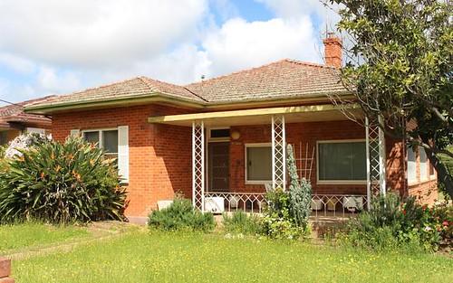 61 Wade Ave, Leeton NSW 2705