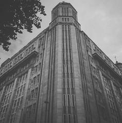#manchester #architecture #building #greyscale #bw #mcr #gradeiilisted #1932 #josephsunlight #steelandconcrete #portlandstone #mansardroof #artdeco #cis (Richie_K) Tags: instagramapp square squareformat iphoneography uploaded:by=instagram moon