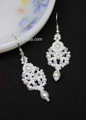 Sridevi Earrings (BeeJang - Piratchada) Tags: beadweaving beadwork beading pearl white swarovski miyuki earrings earring handmade jewelry