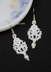 Sridevi Earrings (BeeJang - Piratchada) Tags: beadweaving beadwork beading pearl white swarovski miyuki earrings earring handmade jewelry