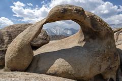Mobius Arch (alouest225) Tags: alouest225 nikon d750 nikon28300 usa etatsunis unitedstates california alabamahills mobiusarch rocks rounded paysage landscape mtwhitney lonepine ra