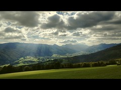 Autumnal light (Beat09) Tags: autumn herbst schweiz switzerland suisse jura balsthal sunnenberg kantonsolothurn wolken clouds sunrays sonnenstrahlen vividhdr hdr