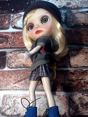 "Blythe-a-Day October#14 She Blinded Me with Science/MTV/Videos: Little Bea Thinks about ""Luka"""