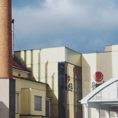 #happyfriday   •••   #plzeň #czechrepublic #ig_czech #beer #brewery #sunnyafternoon #lines #destinationsunknown  #travelphotography #travelgram #travel #nomad #iwanttogo #travelling #wanderlust #travelbug #travelmore #globetrotter #instatravel #traveletti
