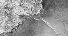 ESP_024384_1860 (UAHiRISE) Tags: mars nasa mro universityofarizona landscape geology science