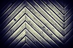 Bi-direccional (Helena de Riquer) Tags: door puerta porta porte flickr texture madera wood fusta monochrome rupit topf25 helenaderiquer 2016 topf50 provinciadebarcelona osona topf75 carlzeiss topf100 interestingness 100faves textura pattern
