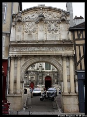 Le portail de l'glise Saint-Pierre (XVIe sicle) (XBXG) Tags: france church de burgundy kirche le porta frankrijk bourgogne glise kerk poort 89 portail auxerre sicle saintpierre lglise yonne xvie