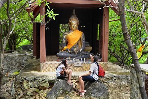 Samantha and BieJee relaxing at Wat Khao Krailas