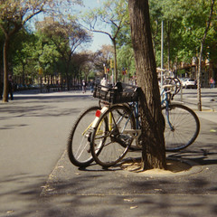 Bicicletas en Sant Mart. (Rodet63) Tags: barcelona color club fuji bicicletas werlisa c200 2015 santmart 9000f