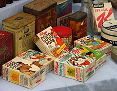 Display of old Kellogg's cereal boxes at the Essex Country Show 2015 (Deptford Draylons) Tags: england nostalgia essex cornflakes frosties cocopops kelloggs allstars tonythetiger noddy billericay specialk huckleberryhound barleylands mrjinks breakfastcereals ricicles wholewheatflakes essexcountryshow2015 brandsandpackaging