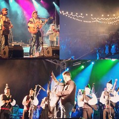 "Noche completa de música y canciones junto a grupos asturianos. #llariegu #areyoudecker #navelgas2015 #hectorbraga <a style=""margin-left:10px; font-size:0.8em;"" href=""http://www.flickr.com/photos/60002574@N04/22986750543/"" target=""_blank"">@flickr</a>"