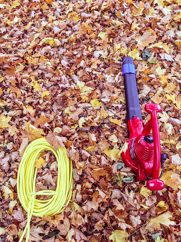 autumn fall leaves electric yard toro powercord yardwork raking extensioncord leafblower leafvacuum toro51609