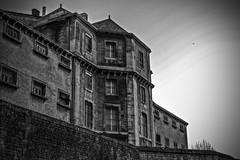 Prison de Niort (julienseignol) Tags: blackandwhite dark sad noiretblanc sinister streetphotography prison triste barreaux glauque photoderue sinistre ténébreux