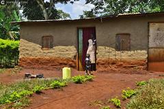 16-09-20 Uganda-Rwanda (114) Jinja R01 (Nikobo3) Tags: frica uganda jinja retratos portraits people gentes social travel viajes rural nikon nikond800 d800 nikon247028 nikobo josgarcacobo flickrtravelaward ngc natgeofacesoftheworld wonderfulworld