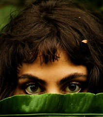 Forest Eyes (Dhiil) Tags: nature natura occhi occhio eyes eye verde green foglia donna selvaggio arte emozione emotion art forest wood bosco foresta primopiano