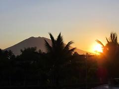 MOUNT IRIGA (PINOY PHOTOGRAPHER) Tags: nabua camsur camarines sur rinconada sunrise sun mount iriga bicol bicolandia luzon philippines asia world sorsogon