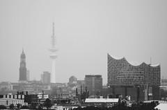 Regentag (Andreas Meese) Tags: hamburg hafen wilhelmsburg nikon d5100 regen rain rainy regentag skyline elbphilharmonie michel fernsehturm wolken clouds wolkig cloudy