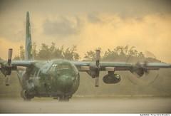 Aeronave C-130 Hercules da FAB prepara-se em Manaus antes da decolagem para a Colmbia. (Fora Area Brasileira - Pgina Oficial) Tags: 2016 brazilianairforce chapecoense fab acidente cerimonia forcaaereabrasileira fotobrunobatista solenidade translado vitimas c130mhercules quadrimotor aeronave chuva mautempo manaus mn