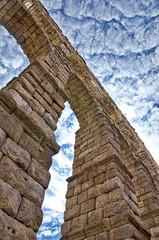 Segovia. El Acueducto.- (ancama_99(toni)) Tags: sky espaa architecture spain arquitectura nikon romano cielo segovia acueducto 1000views 10favs 10faves 25favs 25faves ltytr1 d7000