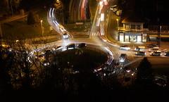 Tranes lumineuses au carrefour de l'europe  Motiers Tarentaise  2 (yoduc73) Tags: route rues nocturne ville voitures tarentaise phares tranes lumineuses motiers