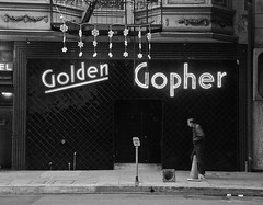 Golden Gopher - Los Angeles, CA (Rex Mandel) Tags: blackandwhite bw bar monochrome divebar neon losangeles la bestbar photoblur bestbarinlosangeles downtownlosangeles ladowntown esquiremagazine loadingonly divebarlimousine lookingdown street motionblur