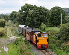 17-Pen-y-coed-24-9-2016.mike-hemming (D1021) Tags: number17 17 175 diema penycoed welshpoolrailway welshpoolandllanfairlightrailway welshpoolllanfairlightrailway nikond300 d300 pole poleshot