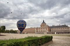 Globos Aerostticos (Jose_edit) Tags: palacio real aranjuez plaza parejas globo aerosttico globos espaa aeronave vehculo