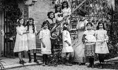 Ascoli com'era: una posa per Geltrude (Dunda) e compagne (~1910) (Orarossa) Tags: italy italia marche ascolipiceno scuola geltrudecarfagna dundacarfagna 2040012c
