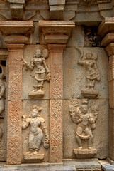 Carved frieze (VinayakH) Tags: bhoganandeeshwaratemple karnataka india temple nandihills chikkaballapura chola ganga hoysala tipusultan religious historic