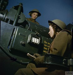 #Women of the Auxiliary Territorial Service at an Anti-Aircraft gun site in Britain, December 1942 [778  800] #history #retro #vintage #dh #HistoryPorn http://ift.tt/2eQ9OZU (Histolines) Tags: histolines history timeline retro vinatage women auxiliary territorial service an antiaircraft gun site britain december 1942 778  800 vintage dh historyporn httpifttt2eq9ozu