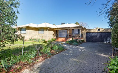 6 Lansdowne Avenue, Lake Albert NSW 2650