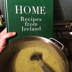 (seustace2003) Tags: nederland holland pays bas paesi bassi an ísitír soup cabbage potato trish deseine cooking rotterdam lombardijen