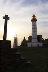 Pointe Saint-Mathieu - Finistre - FRANCE (Gycess) Tags: saintmathieu pointe finistre bretagne france smaphore phare croix heuredore abbaye ruines plougonvelin