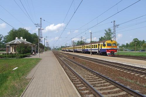 Elektrovilciens ER2 Lielvārdes dzelzceļa stacijā, 19.05.2013.