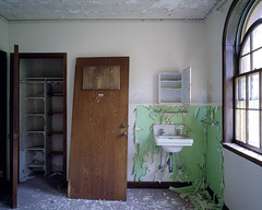 (.tom troutman.) Tags: mamiya 7 film analog 120 6x7 mediumformat kodak portra 400 abandoned hospital nj