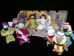 My old mobile phone in action PLS press L (John de Grooth) Tags: kerst kerststal dehoeksteen tentoonstelling gebreid jozef maria christus
