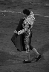 Ready (valeriaatorres) Tags: gins marn arte cultura torero tauromaquia capote espaa mxico monterrey bullfighting