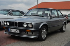 BMW 325e (1984) (Transaxle (alias Toprope)) Tags: auto berlin cars beautiful beauty car club vintage spring nikon vintagecar power voiture coche soul carros 1984 bmw carro vehicle motor bella autos veteran powerful macchina eta coches styling e30 veterans voitures toprope macchine klassik veteranen 325e bellamacchina pereci roadstour motorklassikclub