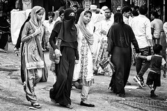 Urban Street Mumbai (daniele romagnoli + 8 million views) Tags: road street people bw india monocromo nikon asia strada muslim indiana persone bombay indie maharashtra mumbai indien bianconero biancoenero indiano inde  indiani   d810   romagnolidaniele