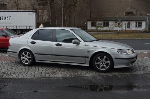 Saab 9-5 YS3E (1997-2010) (Transaxle (alias Toprope)) Tags: 2005 auto 2003 2001 2002 berlin cars 2004 beautiful beauty car club vintage spring nikon vintagecar 2000 power 2006 1999 voiture coche soul carros carro vehicle 1997 1998 motor bella autos veteran 95 2008 powerful saab macchina 2009 coches styling veterans voitures 2007 2010 toprope macchine klassik veteranen bellamacchina pereci roadstour motorklassikclub ys3e
