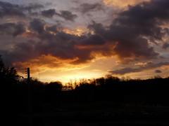 Les Mesnuls, Coucher de soleil, Sunset, puesta del sol (jlfaurie) Tags: sunset france home church colors casa village couleurs pueblo iglesia colores soir maison francia glise coucherdesoleil puestadelsol lesmesnuls yvelines presbytre jlfr mpmdf