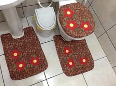 Jogo de banheiro quiltado (*Raquel patchwork) Tags: flores de patchwork jogo banheiro tapetes quiltado