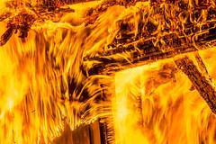 lmh-flammer102 (oslobrannogredning) Tags: boligbrann totalbrann brann bygningsbrann brannibygning totalskadet fullfyr flammer flamme ild flammehav