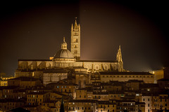 Duomo di Siena (Fret Spider) Tags: vacation sky italy cloud church architecture zeiss prime cathedral landmark icon medieval apo tuscany siena manual duomo hillside ze 135mm etruscan toscano mirrorless zeiss135mmf2 aposonnart2135 sonnar1352ze sonnarapo1352ze sonya7ii