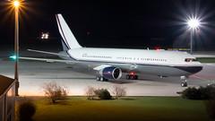 VP-CME (equief) Tags: night airport king nightshot aviation international jed erf boeing jeddah flughafen twa 767 nachtaufnahme nachts edde abdulaziz 767200er midroc 767231 vpcme haitec oejn flughafenerfurtweimar