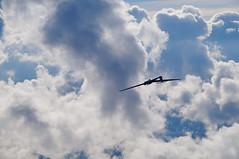 Ausleitung des Rckenflugs (Roland Henz) Tags: fliegen segelfliegen segelflug dassu unterwssen 2016 09102016 ask21 kunstflug philipp d1130 airtoair rckenflug glider aerobatics kunstfliegen gebirgsflug alpensegelflug