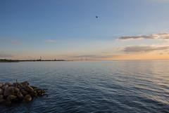 Evening clouds (Infomastern) Tags: malm vstrahamnen cloud goodnightsun hav sea sky