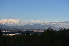 Montserrat des de la Serra de les Gunyoles (esta_ahi) Tags: serradelesgunyoles montserrat paisatge paisaje landscape cel cielo sky nvols nubes clouds avinyonet peneds barcelona spain espaa