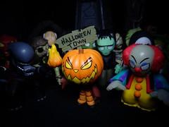 Welcome to Halloween! (ridureyu1) Tags: halloween funko pop funkopop bobblehead mysterymini toy toys actionfigure toyphotography sonycybershotsonycybershotdscw690