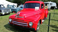 Un Camion International 1952. 2016-09-04 14:50.55 (Sandbanks Pro) Tags: brome quebec canada expobrome exposition camion truck international 1952 vhicule nature paysage touristique vacance holiday t summer bromefair